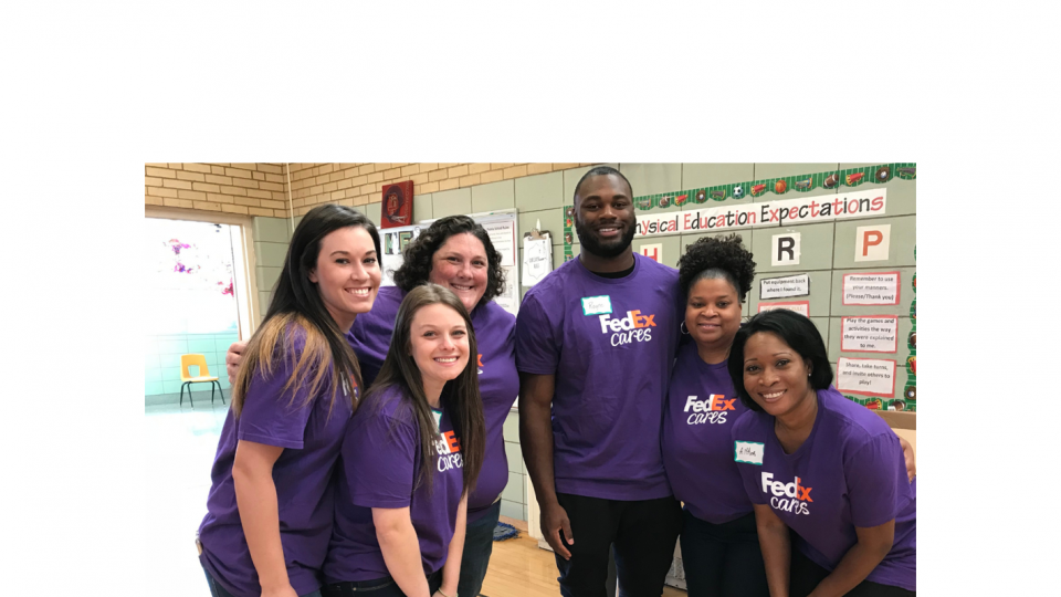 FedEx volunteers